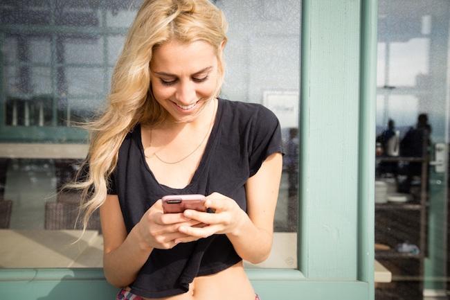 smart-phone-iphone-text-messaging-1-1483512792296