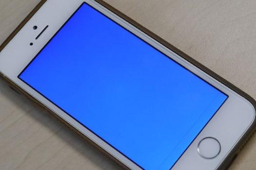 iphone-5s-blue-screen-of-death-525x350