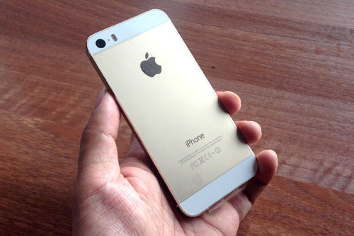 iphone-5s-iphone-5c-xach-tay-tiep-tuc-giam-gia-manh-1