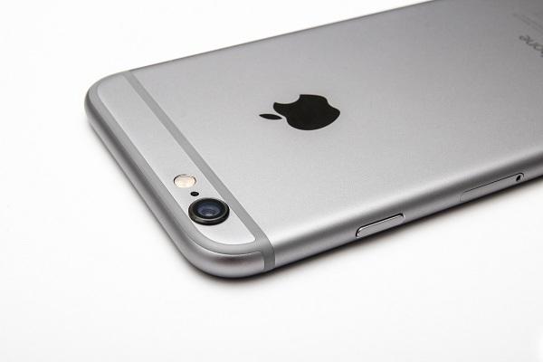hoi-nhanh-dap-gon-ve-viec-vu-iphone-6s-dung-chip-samsung-pin-yeu-hon