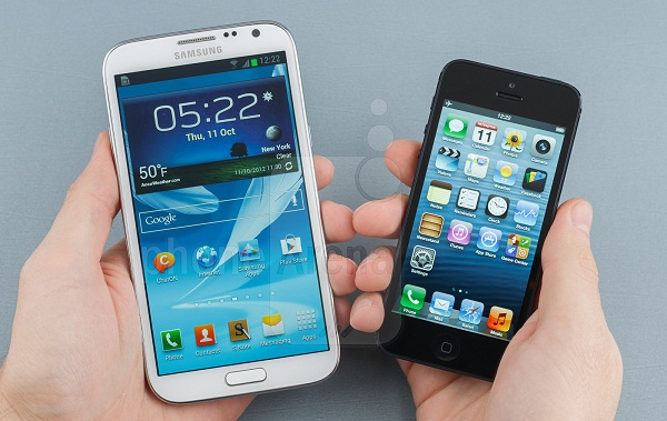 Samsung-Galaxy-Note-II-vs-iPhone-5-56