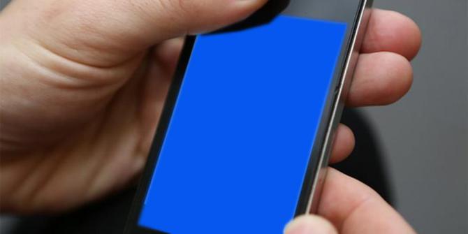 iphone-5s-menjadi-biru-dan-restart-sendiri