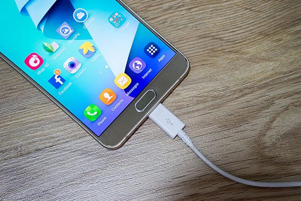Nguyen Nhan Tinh Trang Samsung Note 5 Sac Khong Vo Pin 01