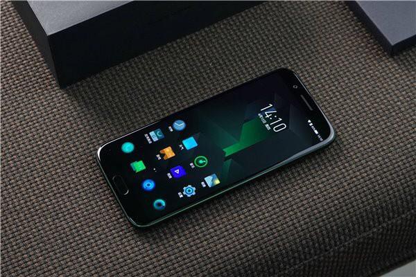 Xiaomi Black Shark Chuyen Game Chay Hang Sau Vai Giay Mo Ban 04