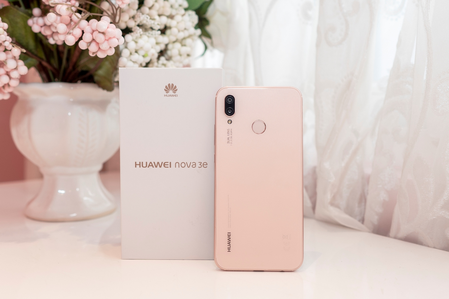 Huawei Nova 3e Phien Ban Hong Chinh Thuc Ra Mat Tai Viet Nam 02