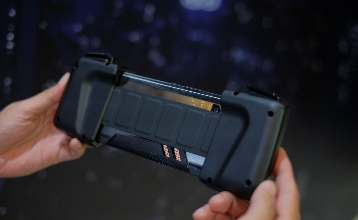 Rog Phone Gamingphone Toi Tan Vua Doc Vua La Cua Asus 03