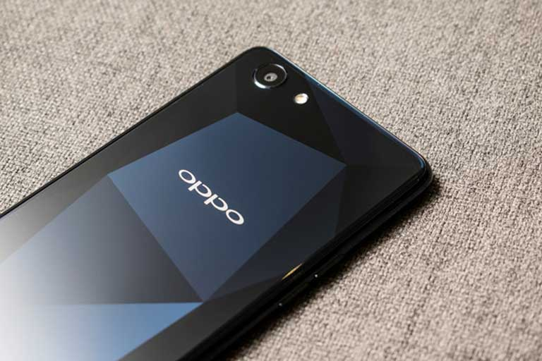 4 Nguyen Do Nen Chon Smartphone Oppo F7 Youth 06